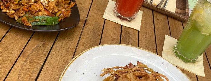 Mala Garden Restaurant is one of Andrea 님이 좋아한 장소.