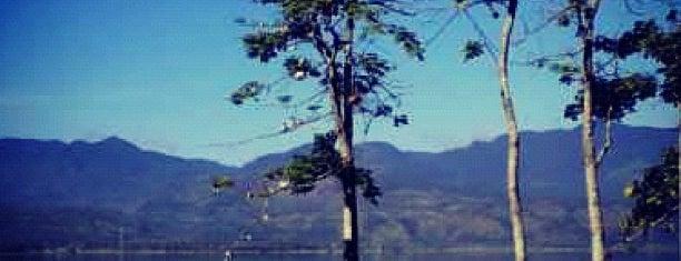Danau Singkarak is one of Destination In Indonesia.