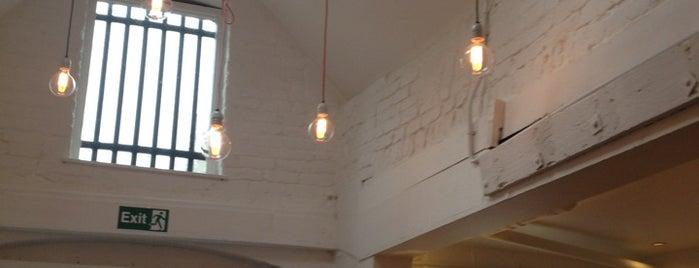 The Deli Downstairs is one of Lieux sauvegardés par toni.
