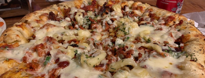 Pino's Tacos & Grill is one of Olaf'ın Beğendiği Mekanlar.
