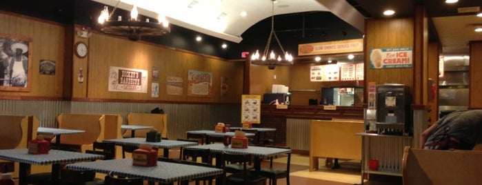 Dickey's Barbecue Pit is one of สถานที่ที่ Nicholas ถูกใจ.