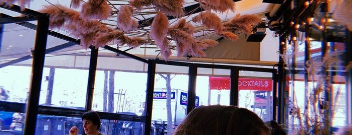 Café La Bohème is one of TRES TRES BON.