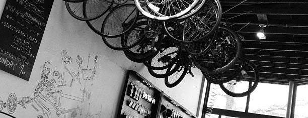 Denver Bicycle Cafe is one of Locais salvos de Celeste.