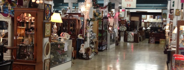 King Richard's Antique Center is one of LA To-Do.