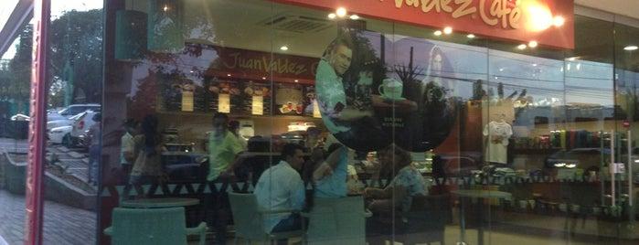 Juan Valdez Café is one of Orte, die Monica gefallen.
