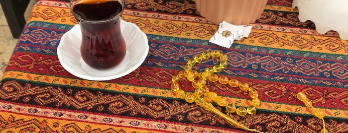 Hasır 6 Çay Evi is one of Posti che sono piaciuti a Eray.