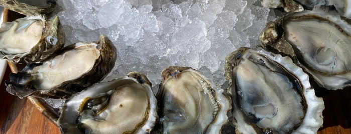 Taylor Shellfish Oyster Bar is one of Seattle.