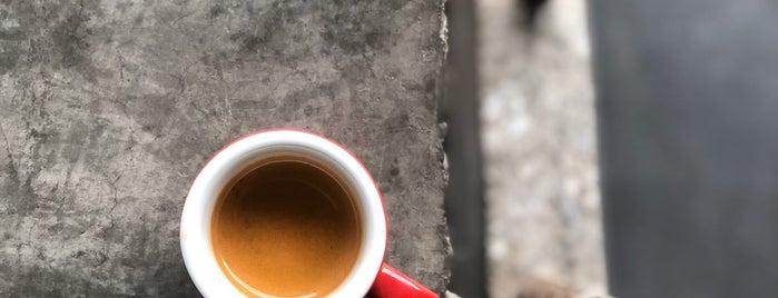 Fantino Café | کافه فانتینو is one of Tempat yang Disukai Karmin.