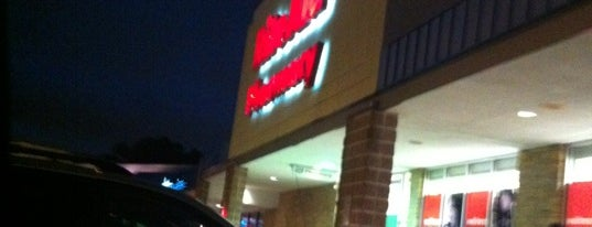 Rite Aid is one of Locais curtidos por Tracey.