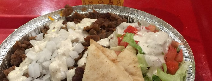 The Halal Guys is one of Lugares favoritos de Mark.