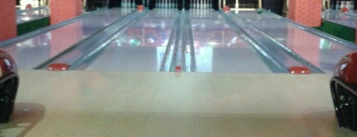 Play Bowling is one of Yunus'un Beğendiği Mekanlar.