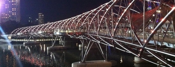 The Helix Bridge is one of Locais curtidos por Barry.