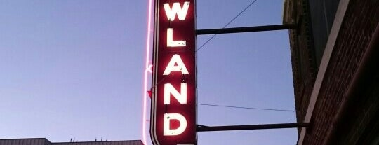 Hotel Newland is one of Neon/Signs West 3.