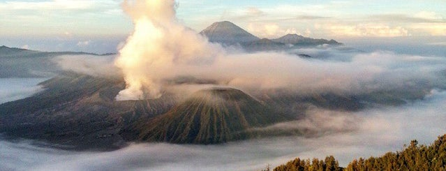 Bromo Sunrise View Point is one of Jean-François 님이 좋아한 장소.