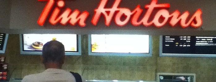 Tim Hortons is one of สถานที่ที่ Vivian ถูกใจ.