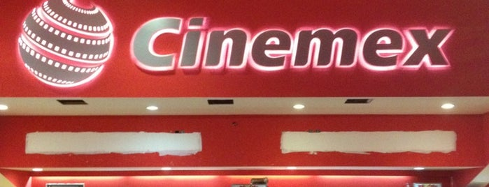 Cinemex Plaza Las Flores is one of Posti che sono piaciuti a Angeles.