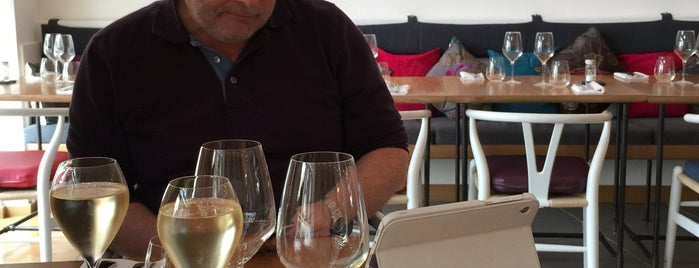 ma table en ville is one of Orte, die Artem gefallen.