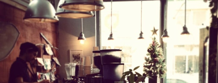 Pikolo Espresso Bar is one of Top café coffee shops Montreal.