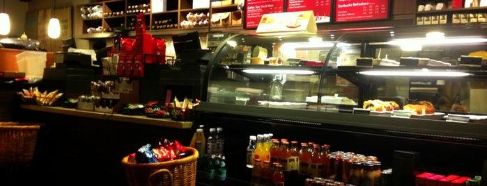 Starbucks is one of Lieux qui ont plu à Michael.