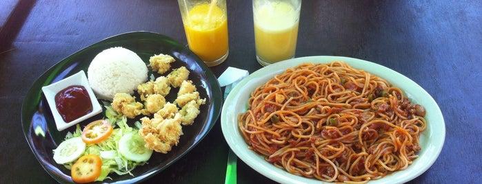 Happy Home Restaurant is one of Posti salvati di Natalya.