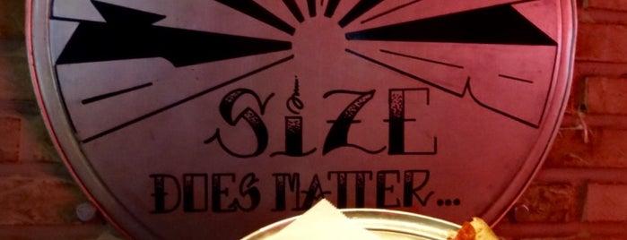 Pizza Bar South Beach is one of Lieux qui ont plu à Gary.