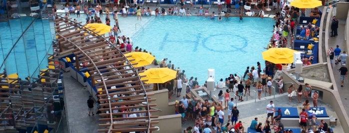 HQ Beach Club is one of สถานที่ที่ Maria ถูกใจ.