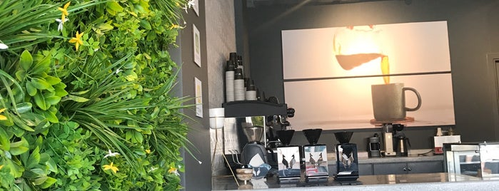 Rasam Coffee is one of Queen: сохраненные места.