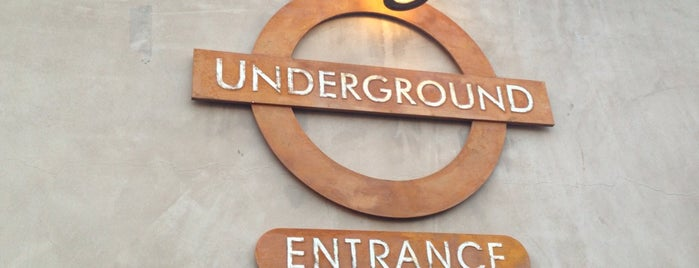 Underground Pub and Grill is one of Saloons.
