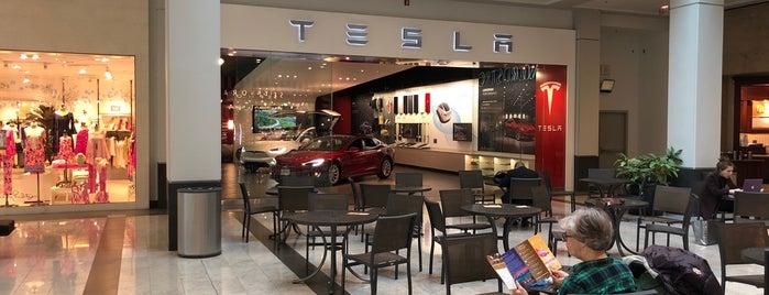 Tesla Motors Westchester is one of Lugares guardados de Scott.