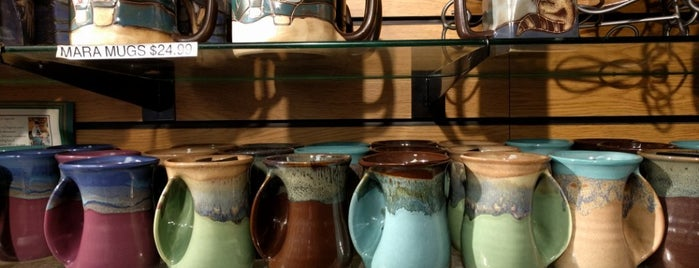 Multnomah Falls Gift Shop is one of Portlandia.