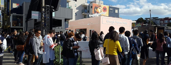 Google Donut Shop is one of Renさんのお気に入りスポット.