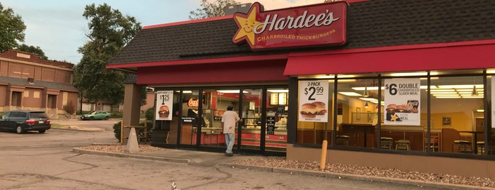 Hardee's is one of Jasonさんのお気に入りスポット.