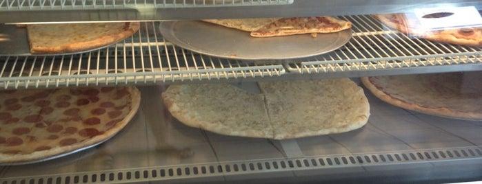 Sami's Pizza is one of Lieux sauvegardés par Ryan.