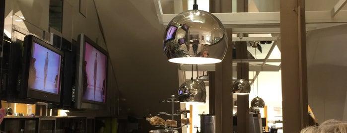 NM Fashion Cafe is one of Lugares guardados de Shanna.