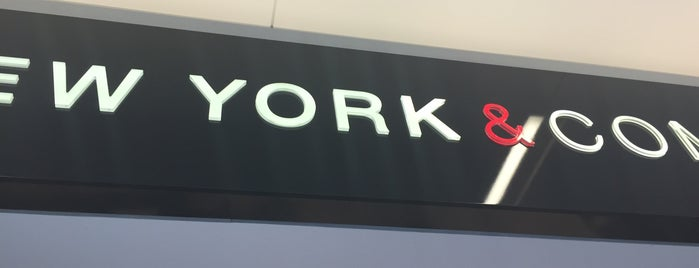 New York & Company is one of Tempat yang Disukai Melissa.