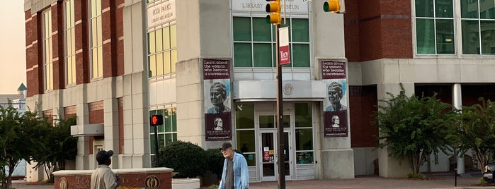Rosa Parks Library and Museum is one of JRA'nın Kaydettiği Mekanlar.