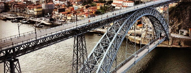 Serra do Pilar is one of Hello Porto.