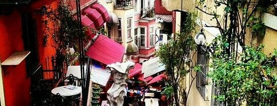 My Sweet Home 🏠 is one of İstanbul Etiket Bonus Mekanları #1 💱💲💵🍀.