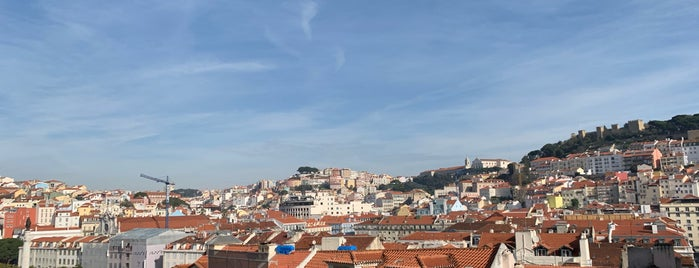 Terraços do Carmo is one of Lisboa.