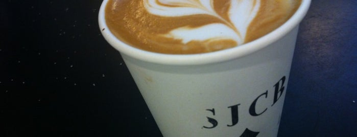 Sam James Coffee Bar (SJCB) is one of Locais salvos de Beril.