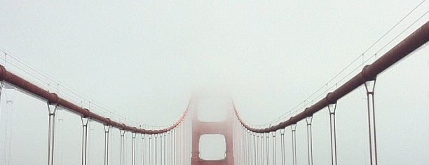 Golden Gate Bridge is one of [To-do] San Francisco.