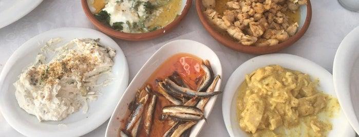 Cunda Deniz Restaurant is one of Tempat yang Disukai Çağla.