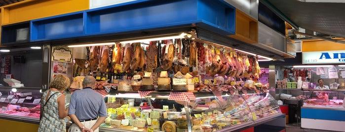 Mercado de La Merced is one of Lugares favoritos de Imanol.