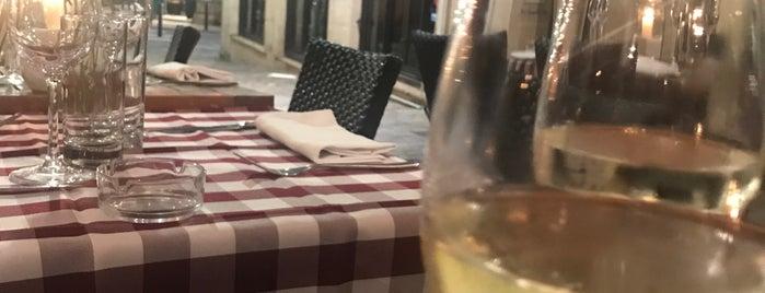 Chez Vincent Et Nicolas is one of Lieux qui ont plu à Antonia.