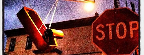 American Sardine Bar is one of Foobooz Best 50 Bars in Philadelphia 2012.