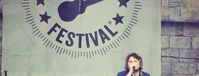 Newport Folk Festival is one of สถานที่ที่ Bryan ถูกใจ.