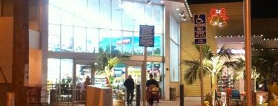 Trader Joe's is one of Lugares favoritos de Photo.