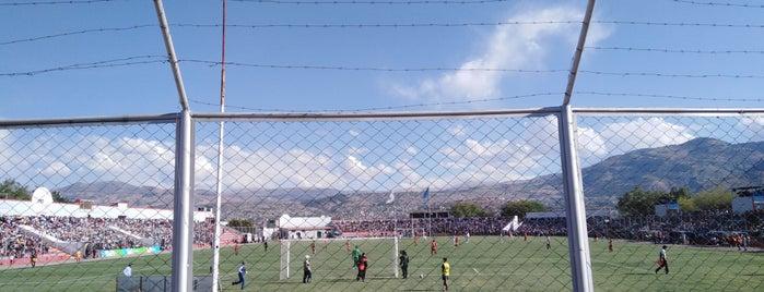 Estadio Ciudad de Cumaná is one of ペルー.