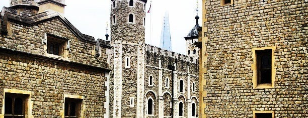 Torre de Londres is one of Inglaterra.