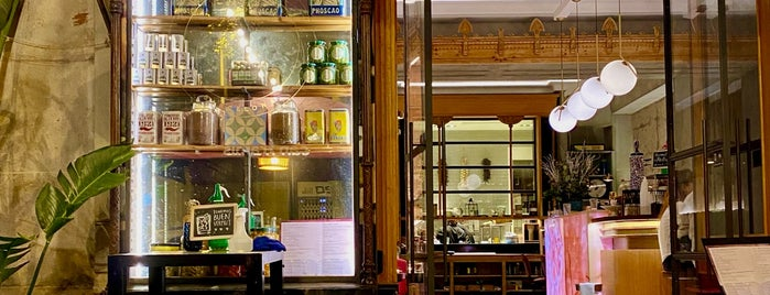 We Bistrot is one of Bcn Like.